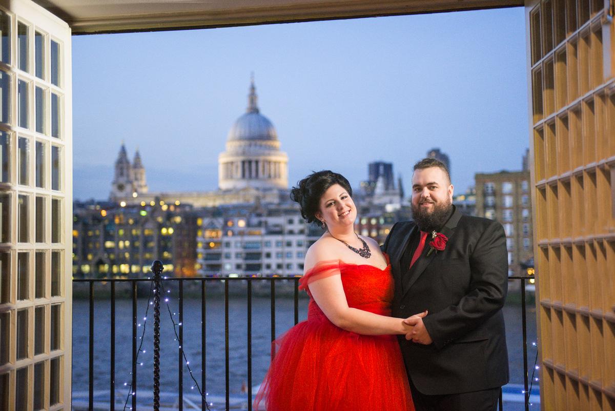 Shakespear Globe wedding photo - Jenna & Mike-27