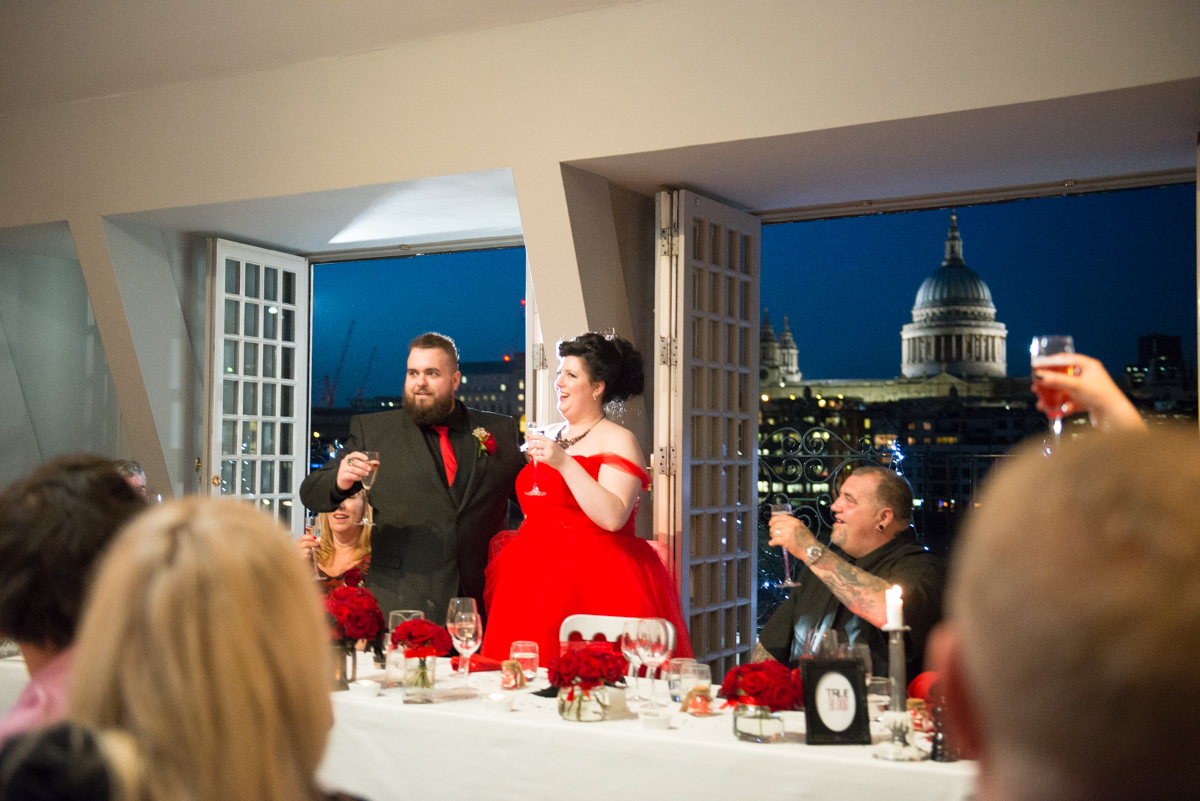 Shakespear Globe wedding photo - Jenna & Mike-42