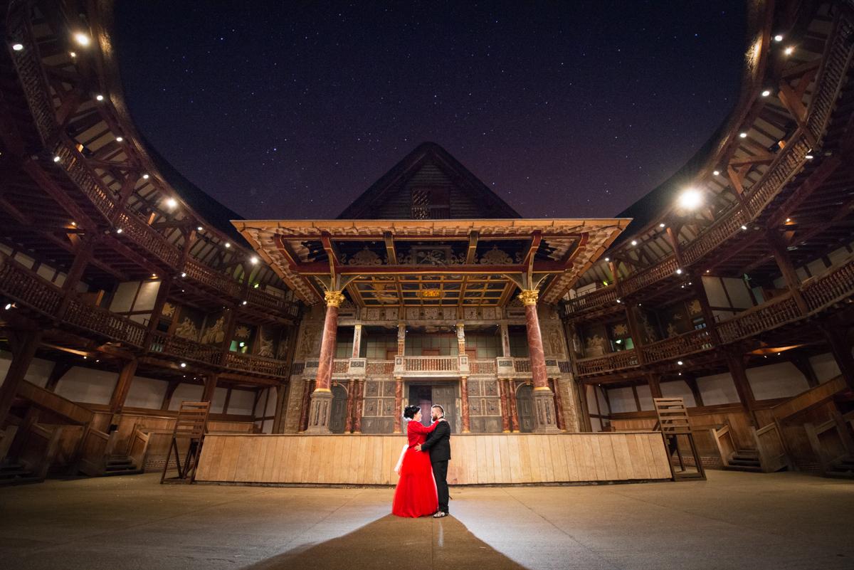 Shakespear Globe wedding photo - Jenna & Mike-51